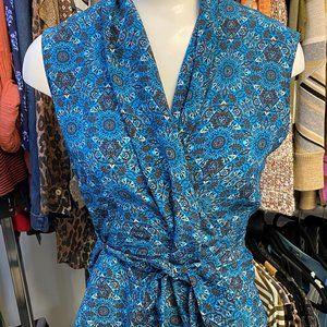 AKRIS PUNTO Blue & Black Printed Silk Sleeveless Belted Blouse